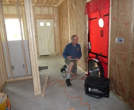 A blower door tool to identify house leakage